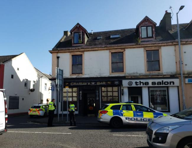 Police swoop in on Ardrossan after reports of man on roof