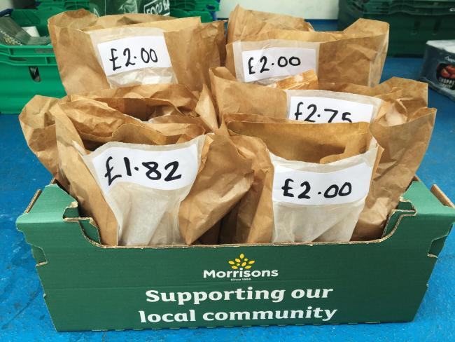 Supermarket introduces new pick up parcels for foodbank