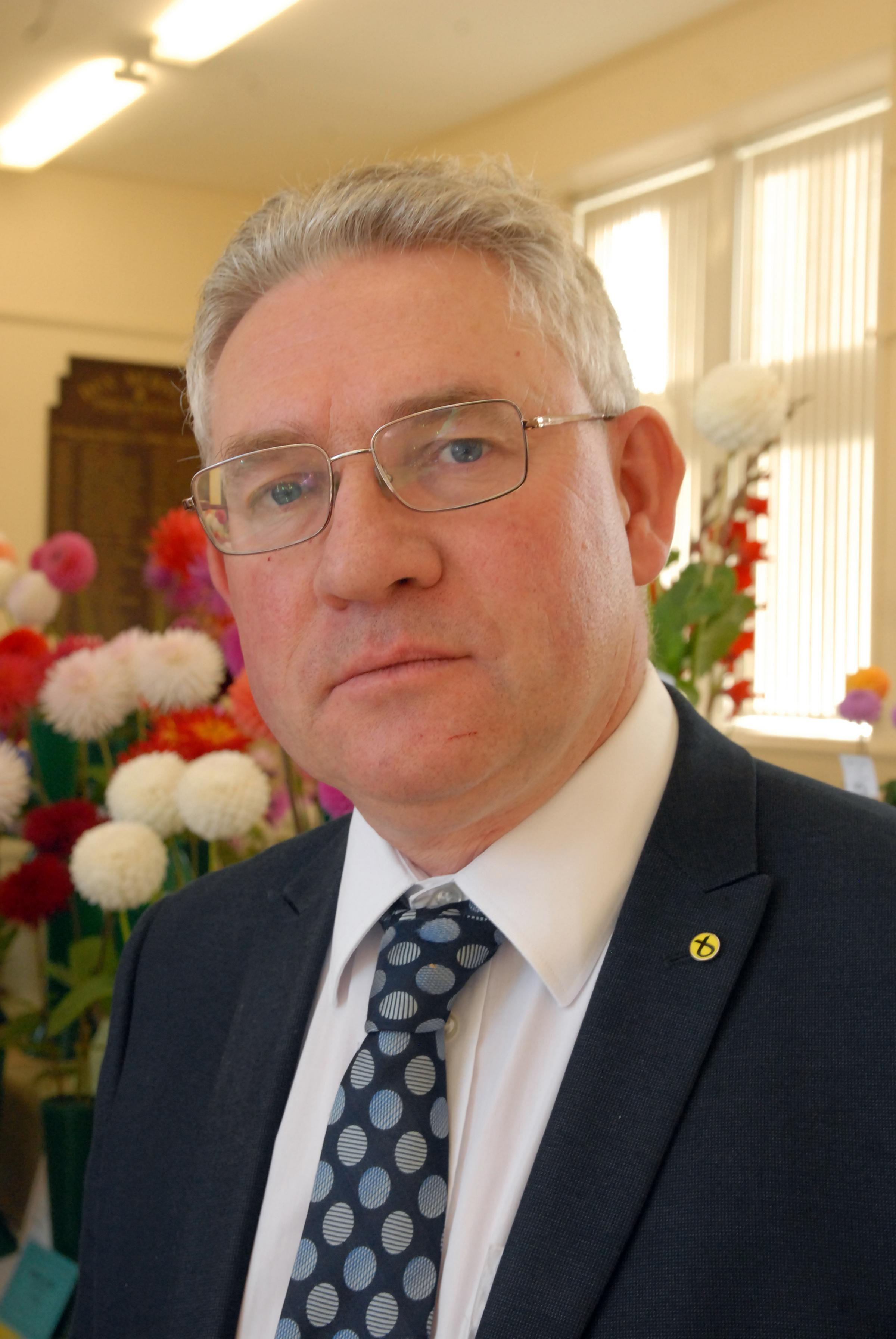 MSP Kenny Gibson hits back over West Kilbride surgery