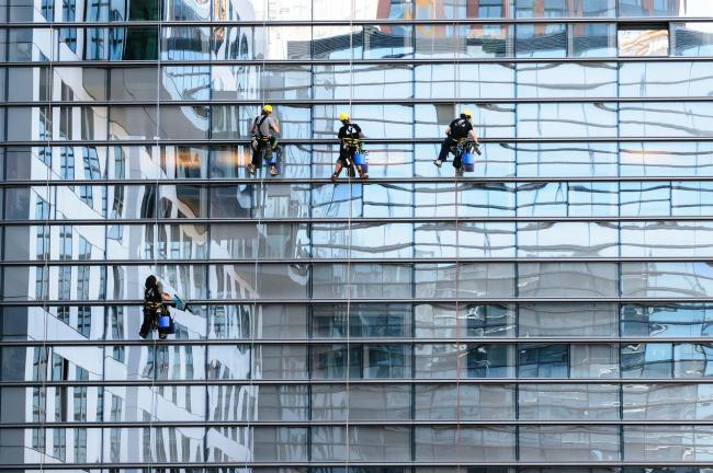 Window cleaning, stock image from Pixabay