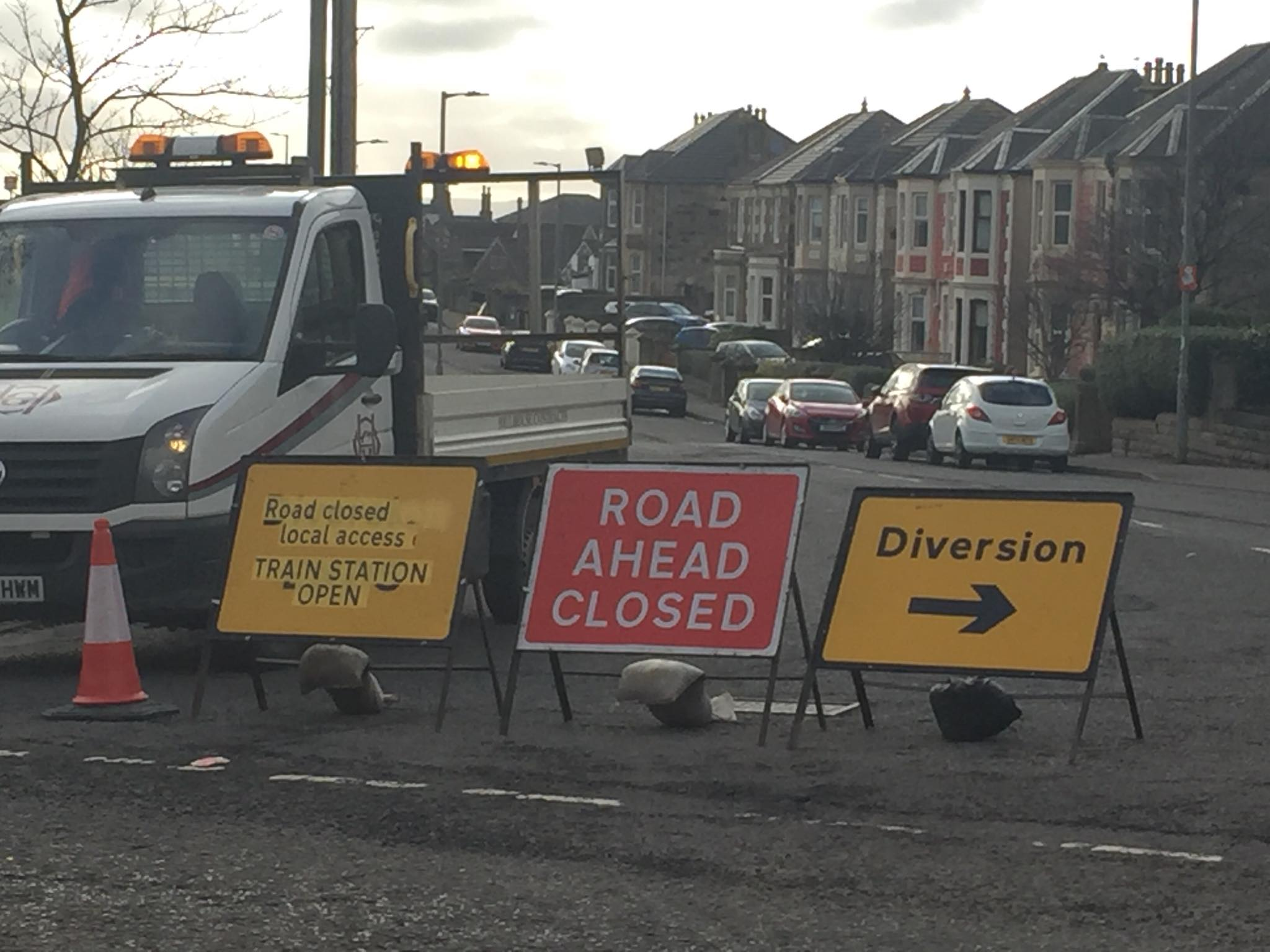 Ardrossan Railway Bridge road closed for another two weeks