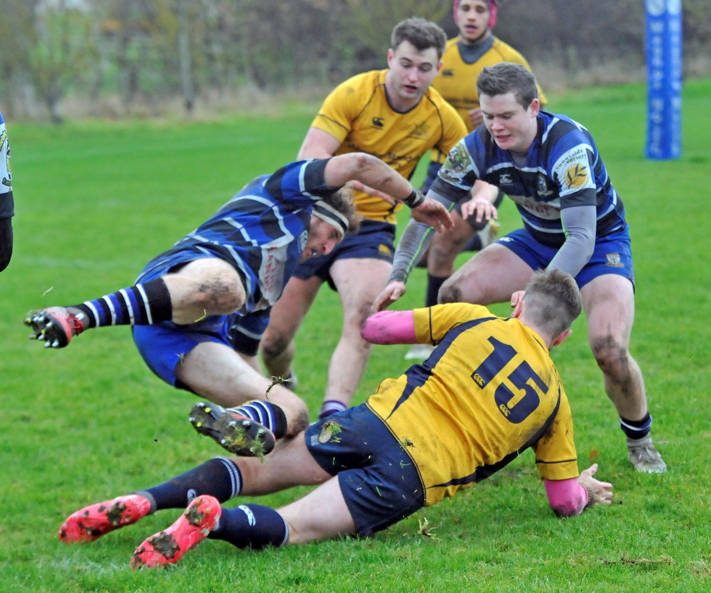 Adrossan Accies rack up derby victory
